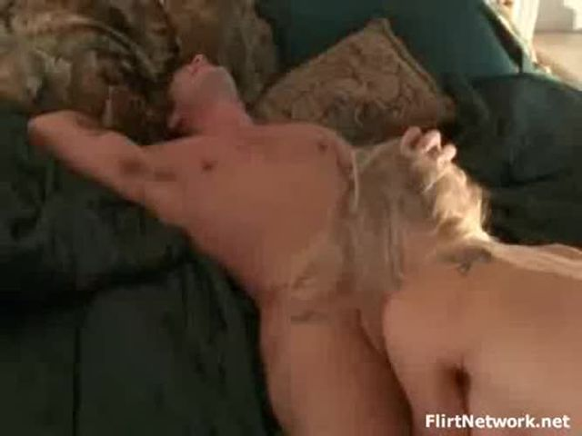 Hot ass sexy girl Sucking And Fcuking Boy Nextdoor