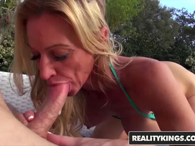 Real King Fucks Horny slut neighbor